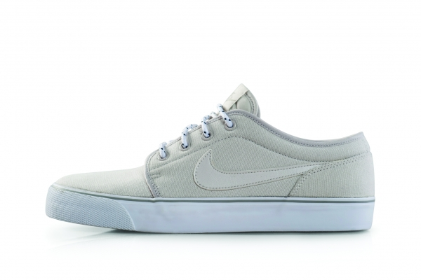 Nike Late Winter 2013 - Toki Low Txt